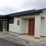 片流れ屋根の住居
